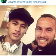 Ney e fã no aeroporto de Atlanta ❤