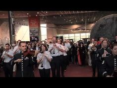 ▶ USAF Band Holiday Flash Mob at the National Air and Space Museum - YouTube...great!! Thank you USAF Band!!