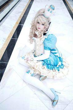 Alice in wonderland lolita fashion dress cosplay cute kawaii Cosplay Anime, Epic Cosplay, Amazing Cosplay, Cosplay Girls, Cosplay Ideas, Kawaii Cosplay, Halloween Cosplay, Cosplay Costumes, Halloween Costumes