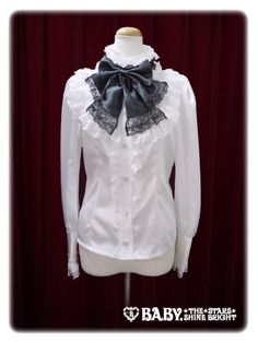Alice and the Pirates Cronw blouse