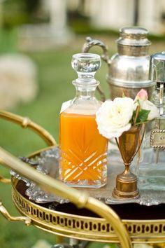 Gatsby wedding drinks trolley #weddingideas #goldwedding #Gatsbywedding #weddingdrinks #reception