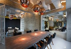 Tour the Creative and Collaborative Office of Bates 141