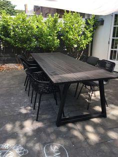 Garden Table And Chairs, Outdoor Garden Furniture, Patio Furniture Sets, Furniture Design, Outdoor Dining, Outdoor Spaces, Outdoor Decor, Outside Living, Interior Garden