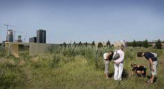 Claud Biemans liet bezoekers de onverwachte natuur van SITE2F7 ontdekken © Gert Jan van Rooij, Museum De Paviljoens
