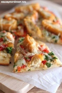 Crispy Chicken and Roasted Garlic Flatbread Pizza