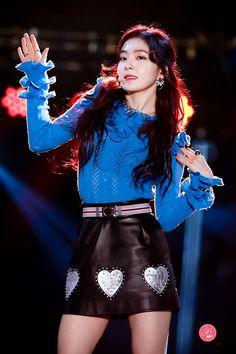 161231 Irene - 2016 MBC 가요대제전/Gayo Daejejun Wendy Red Velvet, Red Velvet Irene, Stage Outfits, Kpop Outfits, Kpop Girl Groups, Kpop Girls, Rapper, Emma Watson Beautiful, Redvelvet Kpop