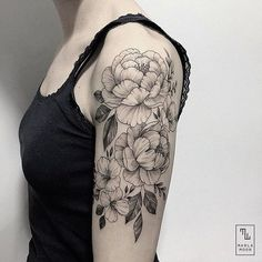Delicate tattoo by @marla_moon