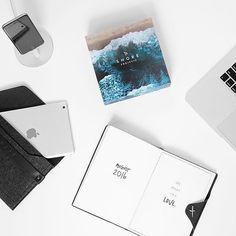 iPad mini sleeve - @whitetwite - Available on mujjo.com or through resellers worldwide #mujjo . . . #flatlay #flatlaystyle #ipadmini #ipadsleeve