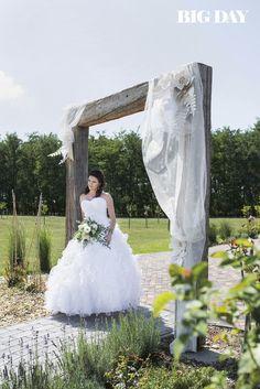 Esküvői ruhakölcsönző – Ildikó a ruhákról - csodaszép esküvő Mermaid Wedding, Lace Wedding, Wedding Dresses, Empire, Fashion, Bride Dresses, Moda, Bridal Wedding Dresses, Fashion Styles