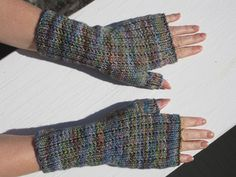 The pattern includes asymmetric thumb gussets for better fit and uses the technique of stripey knitting. Can be knit in one color, but with two colors the simple technique adds a lot of punch. Whichever color is used for the ribbing will have very little yarn leftover, but one skein of each color should be sufficient.