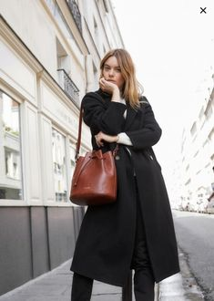Minimalistic Outfit Ideas for Fall Minimale Outfit-Ideen Look Fashion, Daily Fashion, Winter Fashion, Fashion Outfits, Womens Fashion, Looks Style, Style Me, Camille Rowe Style, Sandro