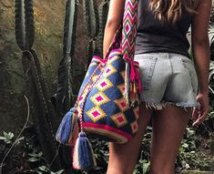 Exploring around with our Liona Bag  www.chilabags.com