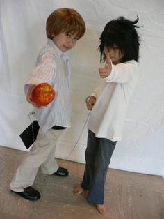 Chibi Light Yagami and L from Death Note - these kids must have the coolest parents ever......