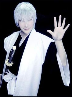 Ok, I'm scared now (!!) Ichimaru Gin. bleach cosplay