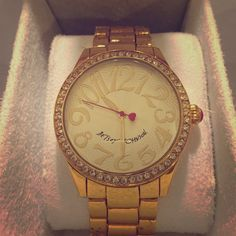 Gold Betsey Johnson Watch w/box Betsey Johnson watch worn once. Has box! Betsey Johnson Jewelry