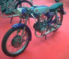Daytona Beach, Moto Guzzi, Retro Cafe, 50cc, Vintage Bikes, Honda, Vehicles, Illa, Motorcycles