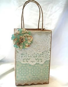 Shabby Gift Bag by Julia S - Cards and Paper Crafts at Splitcoaststampers Paper Bag Crafts, Paper Gift Bags, Creative Gift Wrapping, Creative Gifts, Wrapping Ideas, Craft Bags, Craft Gifts, Decorated Gift Bags, Gift Wraping