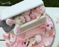 Pink baby girl Christening cake toys  Rosa jente kake dåpskake leker Signert Ellen -