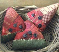 Primitive Rag Stuffed Patchwork Watermelon Bowl by thewoodedlake Felt Crafts, Fabric Crafts, Diy And Crafts, Arts And Crafts, Fabric Art, Watermelon Bowl, Watermelon Crafts, Watermelon Patch, Watermelon Carving