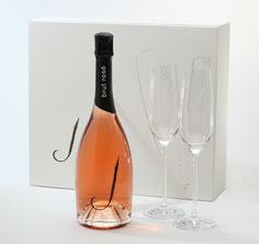 """Simple Elegance. Perfect for weddings, special announcements, or just to say """"I'm thinking about you."""" #Jwine #BrutRose #bubbly #sparkling #gift $65"""
