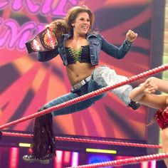 Check out classic photos of Mickie James during her WWE tenure spanning 2005 to From her surprising debut to her memorable rivalry with WWE Hall of Famer Trish Stratus. Trish Stratus, Mickie James, Wrestling Wwe, Female Wrestlers, Professional Wrestling, Wwe Divas, Wwe Superstars, Champion, Lady