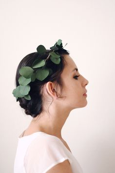 Naturally Dried Silver Dollar Eucalyptus Crown perfect for the boho bride or bridesmaids. Deep green leaf crown by Love Sparkle Pretty http://lovesparklepretty.com/shop/eucalyptus-crown