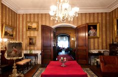 Notice the crown molding - Gibson House in Boston