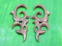 wooden fake gauges by Leginayba on Etsy, $6.99 #tribal earrings #tribal style #wooden earrings #FakeGauge #FauxGauge #OrganicJewelry #EcoJewelry #natural #bali