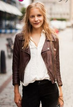 Dorothea Barth Jorgensen Brown leather Jacket yir on my list. Facon, Dandy, Dress To Impress, Autumn Winter Fashion, Grunge, Street Style, Stylish, My Style, Womens Fashion