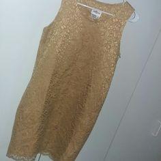 1 Hour Sale NEIMAN MARCUS Gold Lace Wedding 4 Breathtaking details. Mint condition. Polyester. Neiman Marcus Dresses