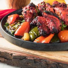 Chicken shashlik is a great way to kick your chicken tikka up a big notch. Tandoori chicken on a bed of Indian spiced onion and peppers. A better kebab! Tandoori Marinade, Tandoori Recipes, Tandoori Paste, Indian Chicken, Chicken Tikka, Tandoori Chicken, Chicken Curry, Butter Chicken, Indian Food Recipes