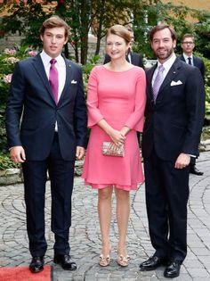 Los Príncipes herederos Guillermo y Stephanie de Luxemburgo con el príncipe Sebastián