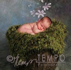 Mossy Baby Blanket Photo Props Green 'Grass' 2x2 Rug by BabyBirdz, $65.00 Amber we need this one for the apple picture u want to do