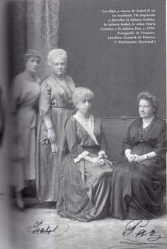 Daughters and daughter-in-law of Queen Isabel II c. 1920. The Infanta Eulalia, the Infanta Isabel, Queen María Cristina and the Infanta Paz.