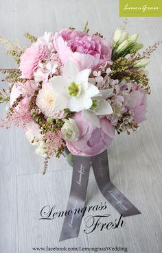 Bridal Bouquet Pink, Wedding Bouquets, Flower Bouquets, All Flowers, Fresh Flowers, Floral Wedding, Wedding Flowers, Flower Power, Flower Arrangements