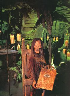Image uploaded by Psikh. Find images and videos about horror and tales from the crypt on We Heart It - the app to get lost in what you love. Halloween And More, Halloween Diy, Horror Show, Horror Movies, Ec Comics, Tales From The Crypt, Horror Posters, Horror House, Best Horrors