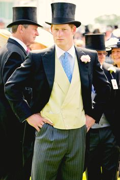 Prince Harry wears a top hat and mourning suit in the Royal Enclosure at The Epsom Derby - June 2011 Prince Harry Of Wales, Prince William And Harry, Prince Harry And Meghan, Lady Diana, Prince Charles, Diana Spencer, Morning Suits, Morning Dress, Stylish Men