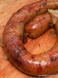 Kiszka kartoflana pieczona   Stare Gary Polish Recipes, Polish Food, Tasty, Yummy Food, Kielbasa, Calzone, Vegetable Dishes, Sausage, Grilling