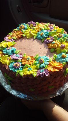 Basket cake - Royal Icing Flowers