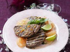 Gegrillte Rinderlende mit Pampelmuse ist ein Rezept mit frischen Zutaten aus der Kategorie Rind. Probieren Sie dieses und weitere Rezepte von EAT SMARTER!
