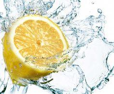 Limon Suyunun FaydalarıSuyunuza bir dilim limon koymak yerine suyunu sıkarak ekleyin. Limon suyu doğal bir şifa kaynağıdır.    Yazının Devamı: Limon Suyunun Faydaları | Bitkiblog.com  Follow us: @bitkiblog on Twitter | Bitkiblog on Facebook
