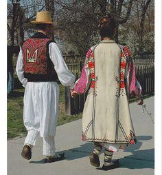 Romanati, Oltenia (Wallachia) Medieval Clothing, Folk Clothing, Folk Costume, Costumes, Romania, Kimono Top, Blouse, Traditional, Embroidery