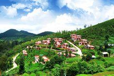 Ooty est situé dans les collines Nilgiri et est l'une des stations de montagne les plus célèbres . Il promet une lune de miel romantique avec beaucoup d'attractions dans la ville tels que les Jardins botaniques, Rose Garden , Ooty Lake et Dodabetta pic .