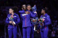 Dit worden de écht grote momenten op de Olympische Spelen: Het Amerikaanse gymnastiekteam: Fernandez, Kocian,Douglas en Biles.