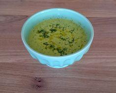 Frische Zitronen-Zucchini-Dill-Suppe von Claudia Zutaten: Zucchini, Zitronensaft, Frühlingszwiebel, Wasser, Reissirup, Olivenöl, Salz, Dill #gutelaunevitamix