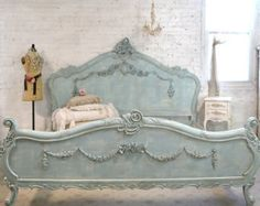 French Bed Painted Cottage Shabby Chic Romantic Bed Queen / King - Home decor Chic Interior, Romantic Bed, Chic Kitchen, Shabby Chic Interiors, French Bed, Chic Living, Painted Cottage, Chic Home Decor, Shabby Chic Homes