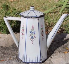 Clay Teapots, Coffee Coffee, Watering Can, Decoration, Granite, Tea Pots, Shabby Chic, Enamel, French