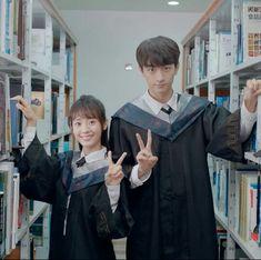 致我們暖暖的小時光・Put your head on my shoulder Netflix, Yoo Seung Ho, Web Drama, Drama Fever, Your Head, How To Show Love, Perfect Couple, Drama Movies, Anime Art Girl