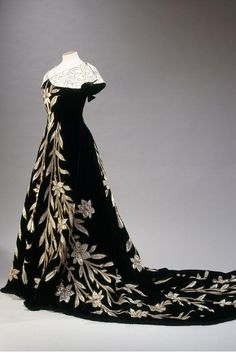 Palais Galliera to Stage Countess Greffulhe Exhibit November 7 - March 20 | A Shaded View On fashion by Diane Pernet