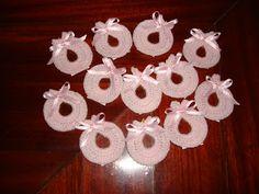 """"""" Mossita Bella Crochet y Tejido """": Baberos a Crochet para Souvenirs"""